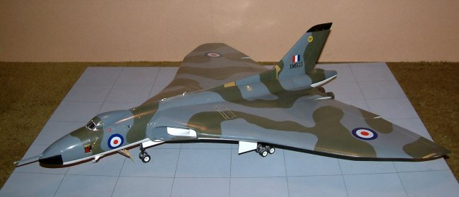 1 48 Aeroclub Vulcan B2 By Darius Aibara