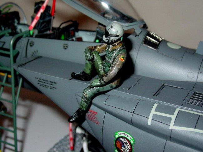 Modifying Kit Pilot Figures By William Tsang