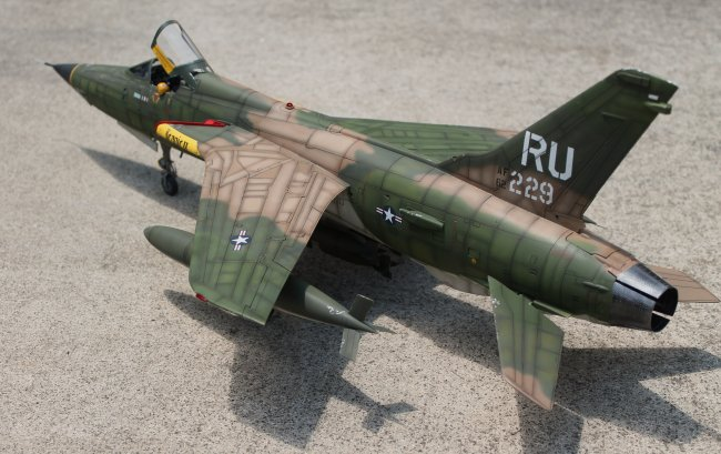 1 32 Trumpeter F 105 Thud By Ian T M Holahan